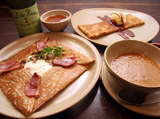 ブレッツ カフェ クレープリー 新宿タカシマヤ店 - 【シェフのおすすめ】前菜とお飲物に、メインのガレットとデザートクレープが選べるお得なセット