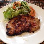 グリルあかつき - 6月9日 日替わり定食 ¥900       シーフードと野菜のパスタ       豚肉の生姜焼き       サラダ、ご飯、味噌汁、アイスコーヒー