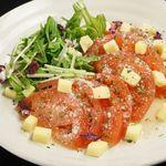全席個室居酒屋 若の台所~こだわり野菜~ - 完熟トマトのカプレーゼ~イタリアンソース~