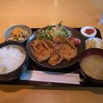 クラップス - 生姜焼き定食(810円)