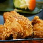 割烹 大力 - メインは鶏のから揚げ、もも肉5個です、カラッと熱々