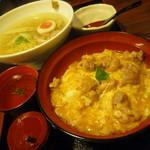 28007512 - あい庵さんの二大メニュー、「鶏ら~めん (700円)」と「宝夢卵の親子丼 (700円)」