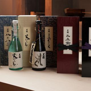 日本酒、各種取り揃えております。