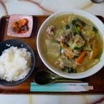 ファミール - 料理写真:特製ちゃんぽん+ライス