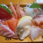 魚菜 - 御造り上盛り合わせ