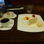 28011520 - ケーキセット(アメリカンコーヒーとショートケーキ)