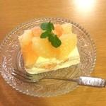 cafe chou chou - グレープフルーツのムースレアチーズケーキ