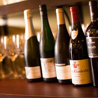 各地のワインとウイスキーをご用意!