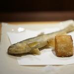 GINZA 水野 - 稚鮎だが、素揚げ