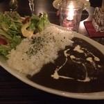 ファシル - カレーは食べ物~スパイシー黒カレー