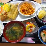 kokochi ダイニング 風琉里(ふるさと) - 日替わりランチ(\650+\350で島フルーツとドリンクが付くスペシャルランチ)