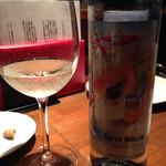 バール&ビストロ ポンレヴェック - ポルトガル産の白ワイン・・・微炭酸
