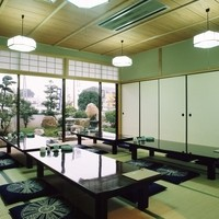 まほろばの里 大蔵 - 一階の個室からは、お庭を望めるお部屋がございます