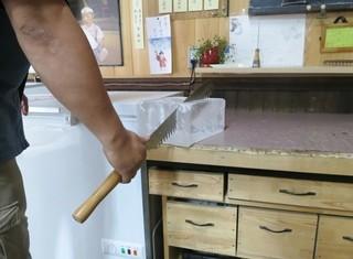 澤田商店 - (2014年6月)氷を削ります!ガリガリキーン♪