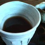 わらび奄 - とろ~りわらび餅(550円 黒豆きな粉のソース付き、《和三盆がかかっているのでかけなくても美味しい》