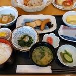 28095109 - 朝食(和食)