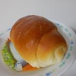 28128230 - 塩パン 100円