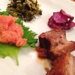 こめらく - 博多明太子と角煮のじゃこ高菜茶漬けのトッピング