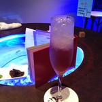 BAR Sea Drop - メニュー1㌻目の一番下のマスカットと白ワインのカクテル 美味し!!