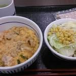 なか卯 - 親子丼とサラダ 2014年6月