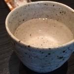 牛たん焼きと伊達ごはん だてなり屋 - こちらは仕込み水とのこと!まろんとしたお水で美味