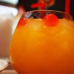 ガンダムカフェ - まぁるいグラスがユラユラ揺れるノンアルコールのハロカクテルがキュート♪