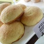 プチ・トリフ 山屋 - こちらの一番人気はメロンパンだそうです☆