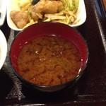 ナチュラ - 海草の味噌汁