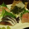 楠 - 料理写真:刺身盛りあわせ(もくがれい、黒鯛、しめ鯖 わらさ)