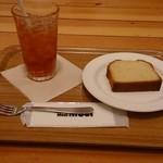 28149655 - レモンパウンドケーキとアイスティー¥550