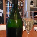 ワインバル 青木酒店 - nebulina sparkling Wine