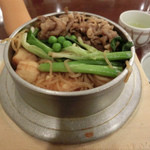 釜めしビクトリア - 牛すき焼きの釜飯