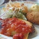 ココス - 日替わりランチ トマトチーズハンバーグと肉じゃがコロッケ