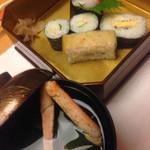 28156341 - カニ会席  〆のカニ寿司とお吸い物