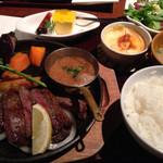 茶屋 草木万里野 - ランチのステーキ