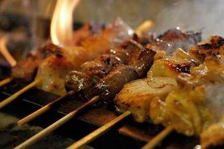 やきとん くう - 朝挽きとんの串焼きは絶品