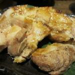 九州 熱中屋 - 霧島黒豚ばら肉の海塩溶岩焼アップ