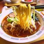 中野坂上 ハーモニータワー けやきガーデン - 麺は業務用の中太ちぢれ麺(2014.Feb)