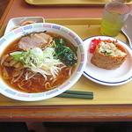 中野坂上 ハーモニータワー けやきガーデン - 醤油ラーメン(\400)+五目いなり(\100)(2014.Feb)