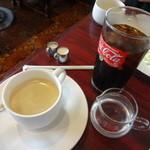 ナポレオン - 料理写真:セットの泡立ちブレンドとアイスコーヒー☆