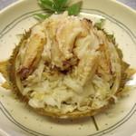 鯛八鮨 - トゲクリカニは食べやすく捌いて甲羅に詰めてお出しします