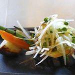 竃 円山 - こちらは姪が頼んでた「北海道玉葱と【共働学舎】ラクレットチーズ竃特製玉葱ソース(160g1836円)」