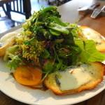 メゾン・ド・ハラ - 2014年4月 チーズとサラダ 春野菜たっぷり