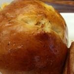 28180503 - 紅茶とリンゴのロールパン