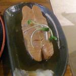 28180648 - 鰈煮付定食(700円)の鰈、身が厚く立派です。