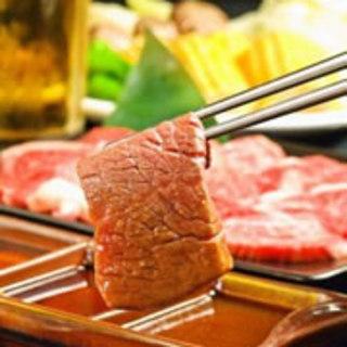 3種類のタレをご用意して、様々にお肉を味わっていただけること