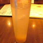Bistro&Bar es - 自家製ジンジャーエール(450円)