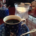 珈琲のシャポー - こんな感じで凛とした雰囲気になりますね(^-^)