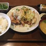 洋風居酒屋&ラーメン あじまん - お昼の日替わりランチです。ササミのフライ定食でした。美味しかったですよw