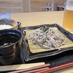 28202063 - 先ずはビールでプファ~~(^○^) お蕎麦も美味しいです。